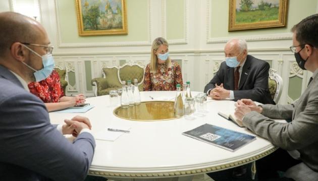 Украина должна стать региональным лидером в политическом и экономическом развитии - Шмыгаль