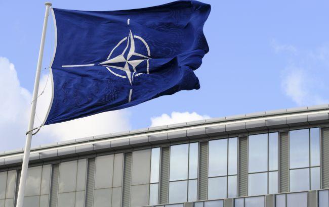 """Кандидаты в канцлеры Германии раскритиковали """"легкомысленные обещания"""" о вступлении Украины в НАТО"""