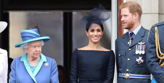 """Принца Гарри и Меган Маркл """"понизили"""" на сайте королевской семьи Британии"""