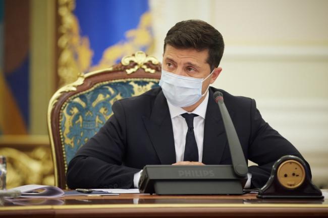 Зеленский просит Раду принять антикоррупционную стратегию