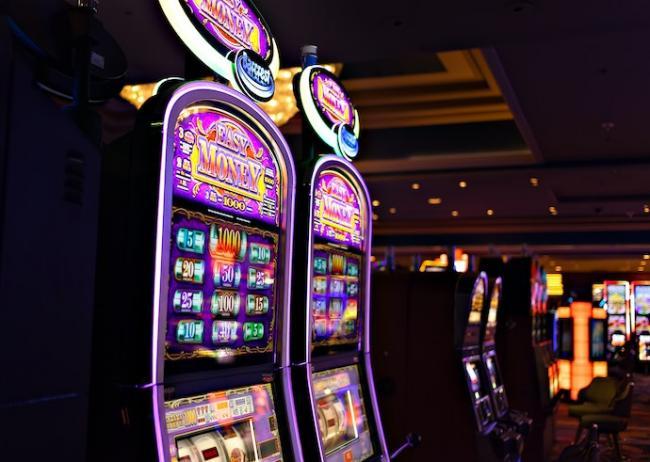 Для казино и букмекеров планируют снизить налоги – Рада приняла законопроект за основу