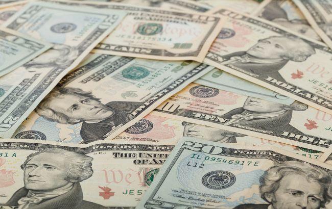 Курс доллара вырос после достижения годового минимума