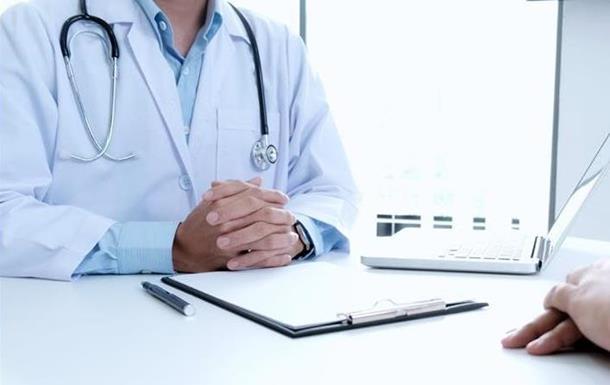 В Украине на месяц отложили полный переход на электронные больничные
