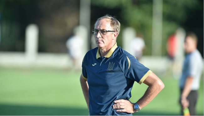 Новый главный тренер сборной Украины определился с капитаном команды