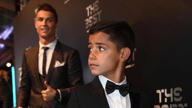 Сын Криштиану Роналду будет заниматься в академии «Манчестер Юнайтед»