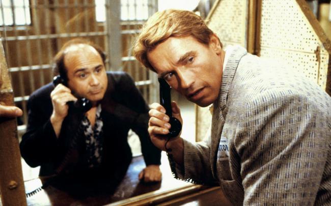 Арнольд Шварценеггер и Дэнни ДеВито вновь сыграют братьев в сиквеле комедии «Близнецы» — «Тройняшки»
