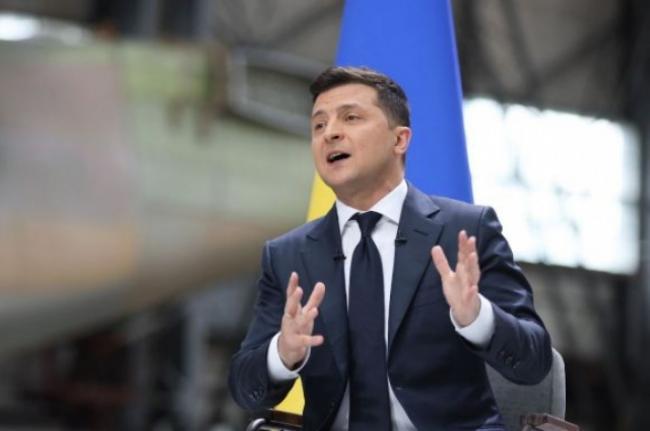 Зеленский соберет депутатов на выездное заседание
