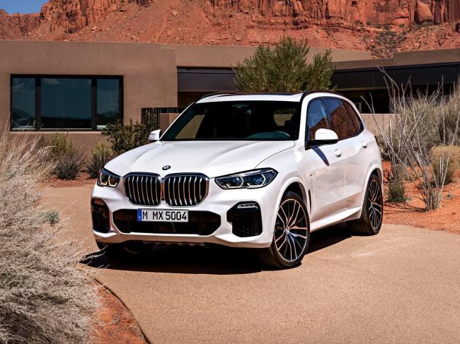 BMW не спешит отказываться от бензиновых двигателей