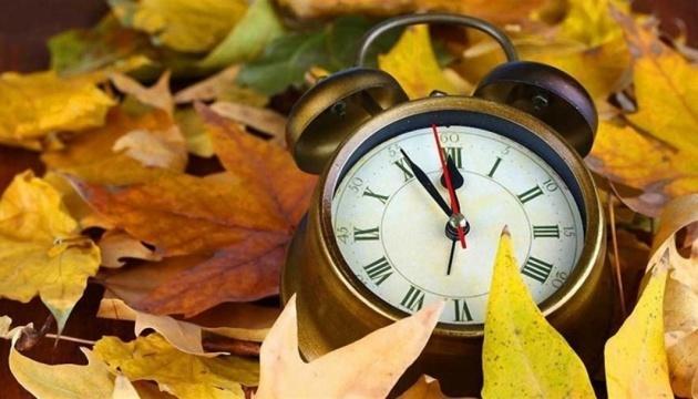 Украина перейдет на зимнее время в последнее воскресенье октября