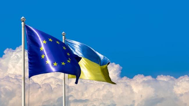 В Евросоюзе подтвердили, что не рассматривают отмену безвиза для Украины