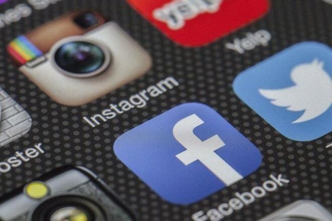 Цукерберг извинился перед пользователями за сбой в работе Facebook