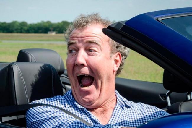Джереми Кларксон выбрал лучший автомобиль 2021 года (ФОТО)
